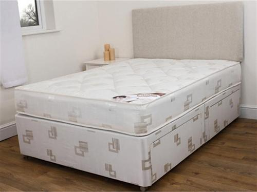 Snuggle Damask Quilt - Four Drawer Divan Set