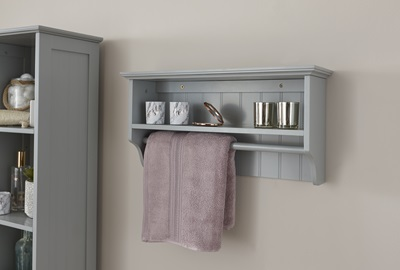 Product photograph showing Colonial Towel Rail Shelf