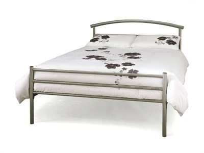 Serene Furnishings Brennington 4 Small Double Silver Metal Bed