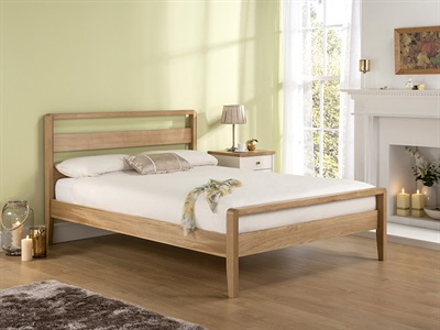 Home Comfort Classique Oak 4' Small Double Wooden Bed