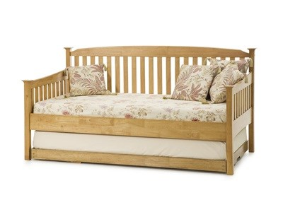 Serene Furnishings Eleanor Day Bed with Guest Bed (Honey Oak) 3 Single Honey Oak Wooden Bed