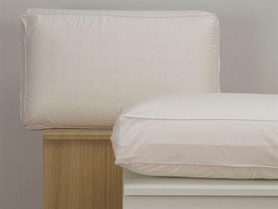 Feather Pillow Amp Memory Foam Pillows At Mattressman