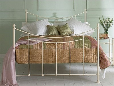 Original Bedstead Co Winchester 4 6 Double Glossy Ivory Metal Bed