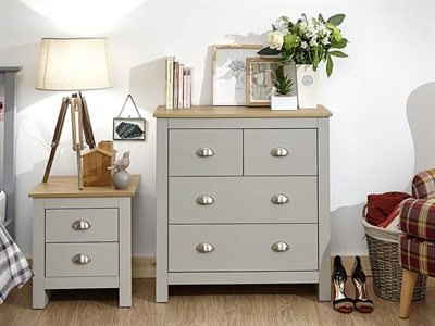 Product photograph showing Lancaster 2 Plus 2 Drawer Chest