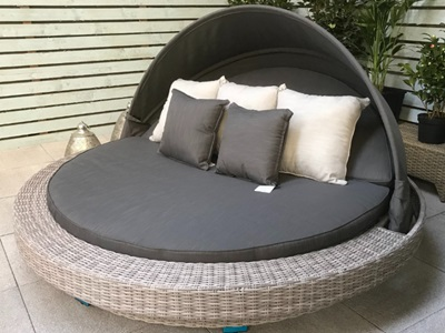Product photograph showing Madison Large Round Daybed - Fine Grey Wicker