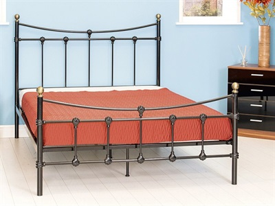 GFW Mayfair 4 6 Double White Metal Metal Bed