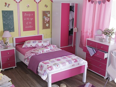 GFW Miami Pink 5-Piece Bedroom Set Pink And White Bedroom Set