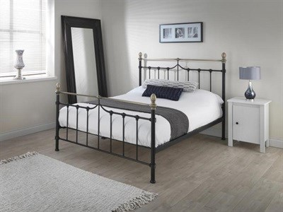 Silentnight Sydney - Black 4 6 Double Black and Brass Metal Bed