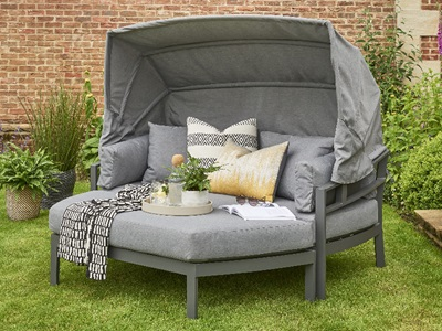 Product photograph showing Titchwell Day Bed