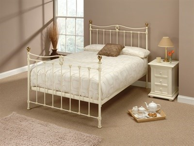 Original Bedstead Co Tulsk in Ivory 4 6 Double Glossy Ivory & Antique Brass Slatted Bedstead Metal Bed