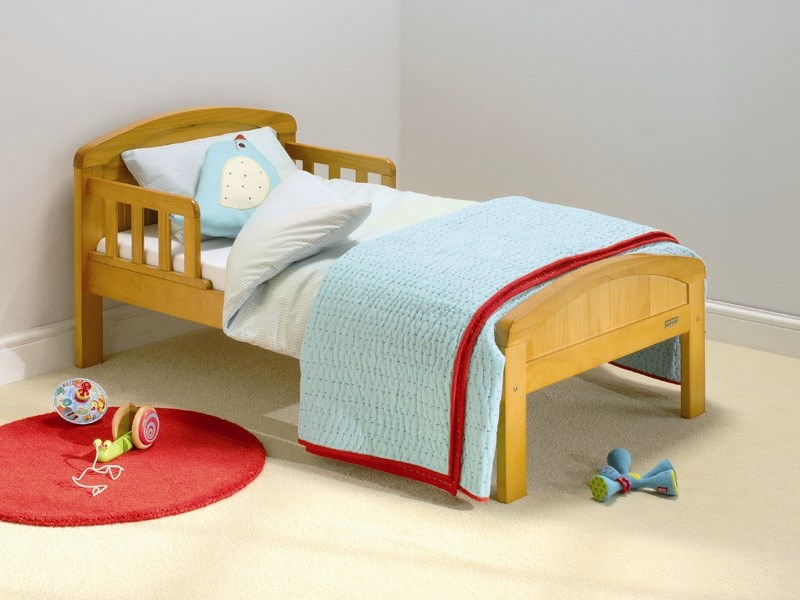 Country Toddler Bed in Antique Pine Main Image