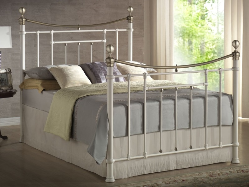 Birlea Bronte 4\' 6 Double Cream and Brass Metal Bed Image0 Image