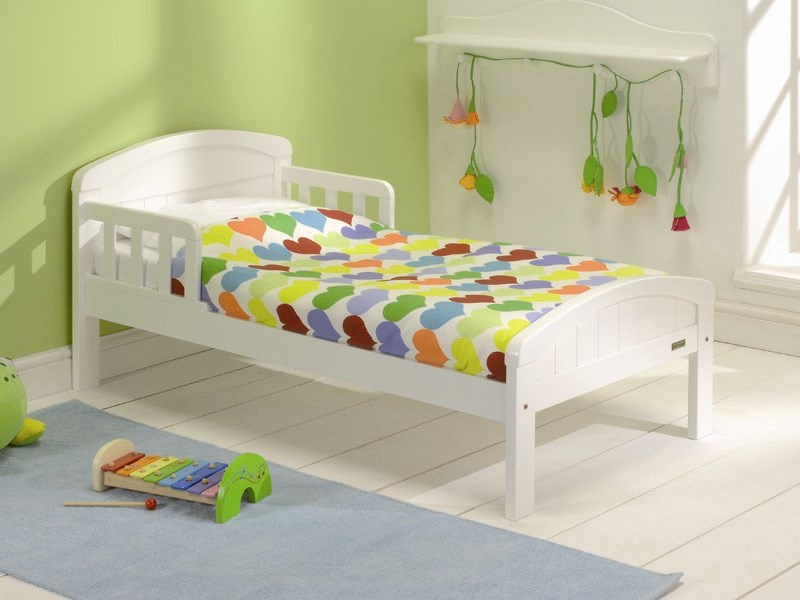Country Toddler Bed in Pure White Main Image