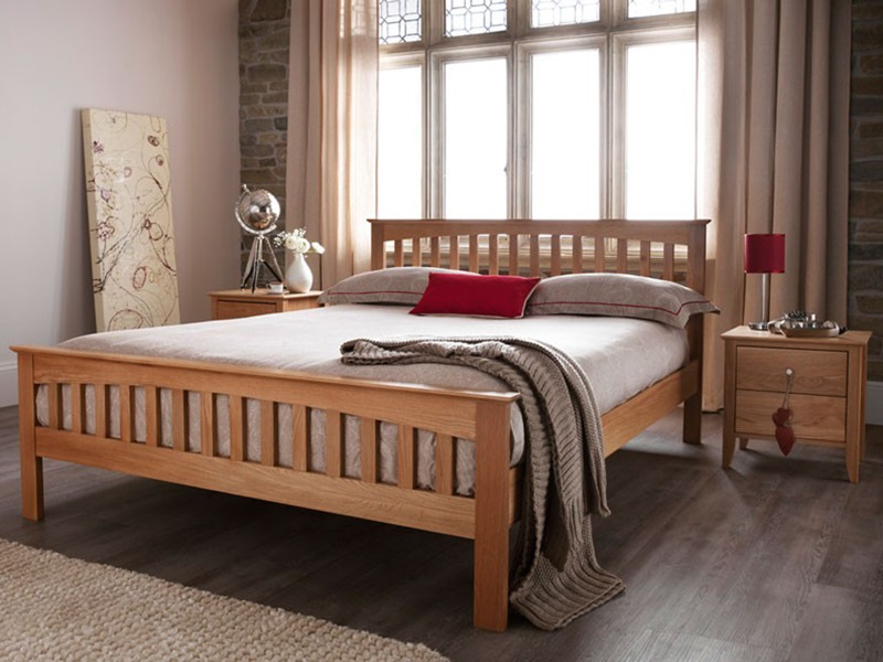 Serene Furnishings Windsor 4\' 6 Double Honey Oak Wooden Bed Image0 Image